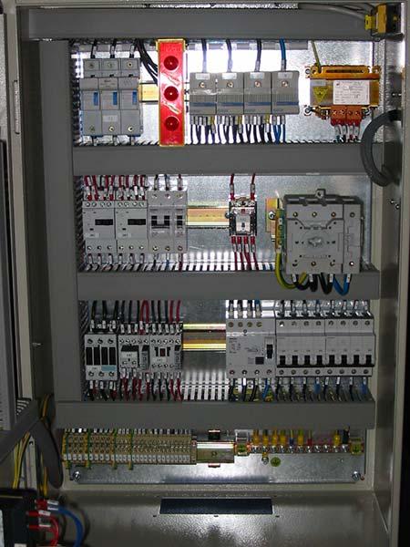 Quadrista-per-assemblaggio-quadro-elettrico-reggio-emilia